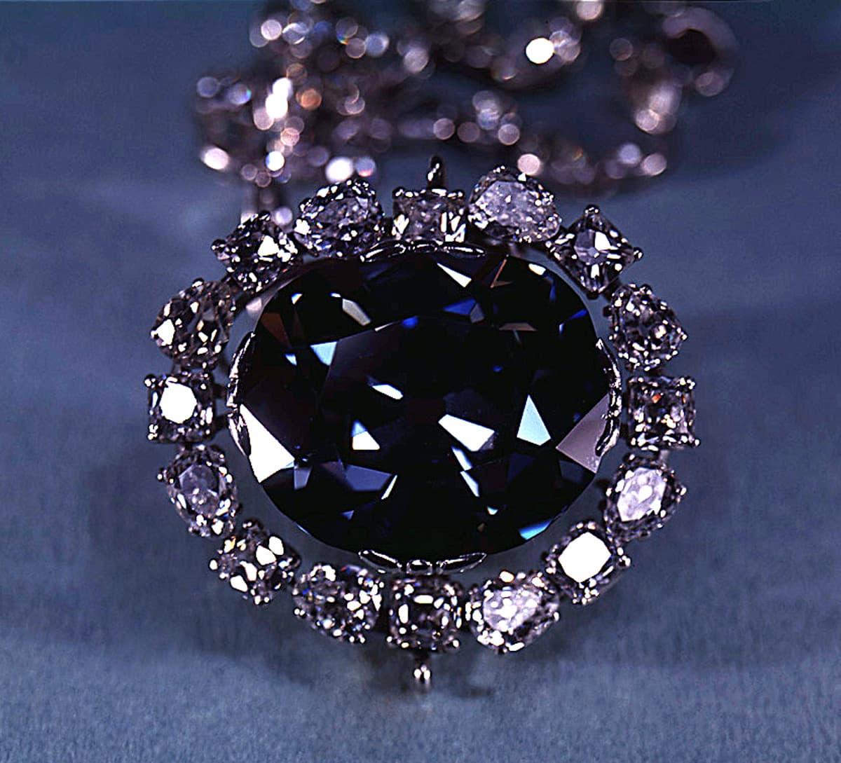 Прокълнатият диамант – Ексклузивно
