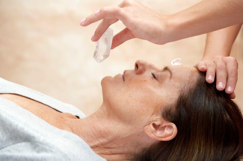 Имат ли обратен ефект скъпоценните камъни в лечението?